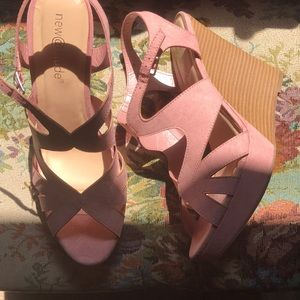 Shoes - Pink Wedge